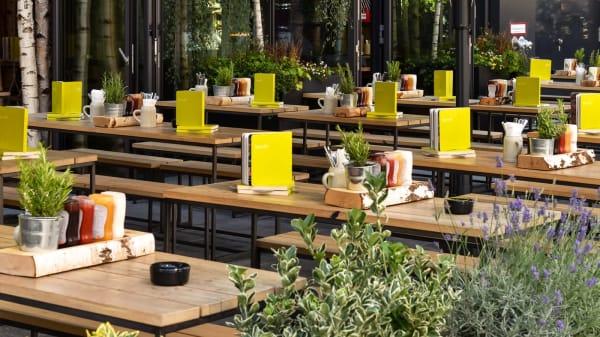 HANS IM GLÜCK Burgergrill & Bar - München GOETHEPLATZ, Munich