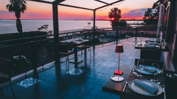 tramonto sulla terrazza Mar Grande - SUD Mar Grande, Taranto