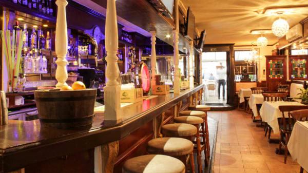 Sala - Chequers Bar & Restaurant, Cascais