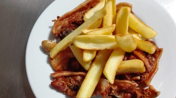 Cochinillo frito Con patatas - El infante, Oropesa