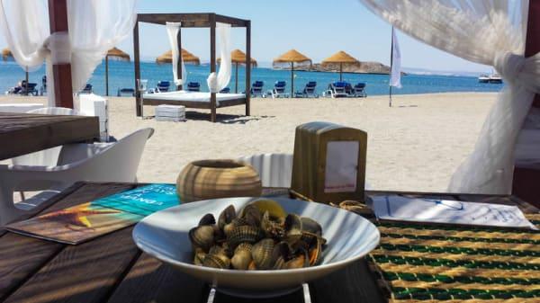 Mesa en la playa - El Gollerón Beach Club, Cartagena