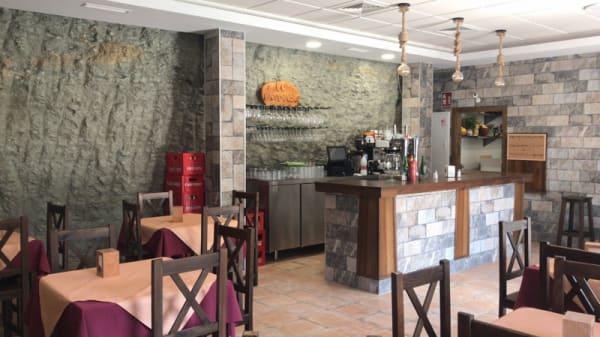 Sala del restaurante - El Bandolero, Setenil De Las Bodegas