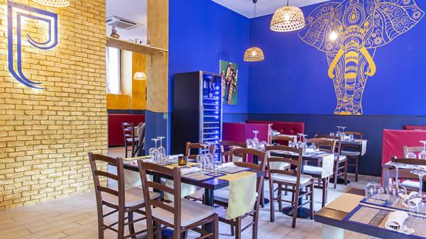 Vista della sala - Thai chokdee restaurant, Milano