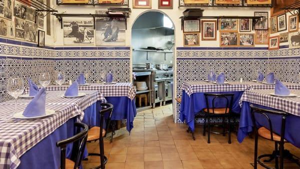 Comedor con solera  y tradición. - Casa Ricardo  - Fernando el católico, 31, Madrid