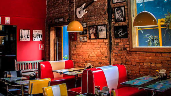 Sala - Rock Burger, São Paulo