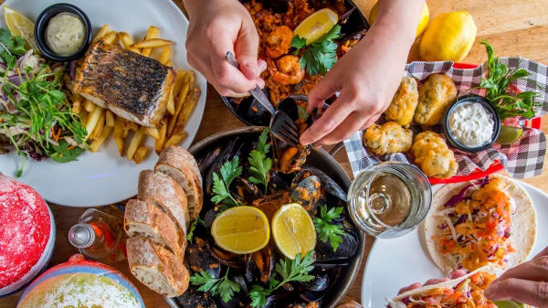 Shared dishes - Clancy's Fish Pub Canning Bridge, Applecross (WA)