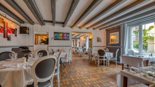 Salle du restaurant - Auberge de la Croix-de-Rozon, La Croix-de-Rozon