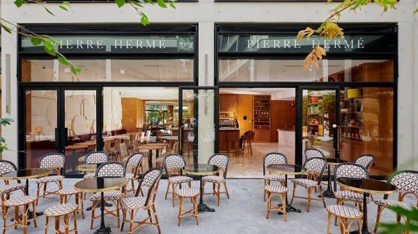 Devanture - Pierre Hermé, Paris