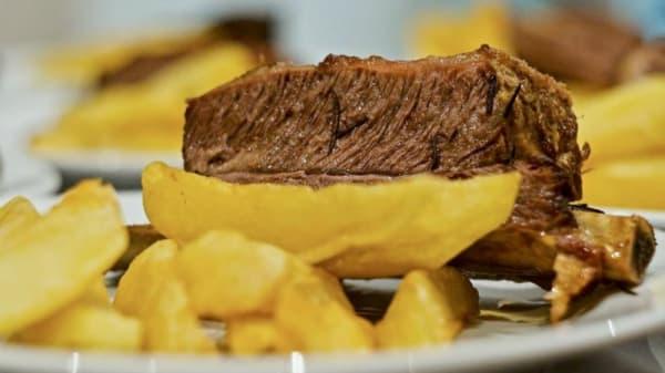 Sugerencia del chef - Librería Bar Restaurante Caras y Caretas, CABA