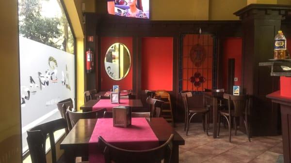 Sala del restaurante - La Tushpa, Madrid