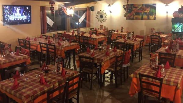 Vista sala - Trattoria Pizzeria Il Borgo, Borgo Centore, Cellole