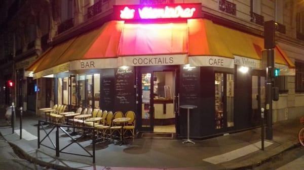 facade - Les Volontaires, Paris