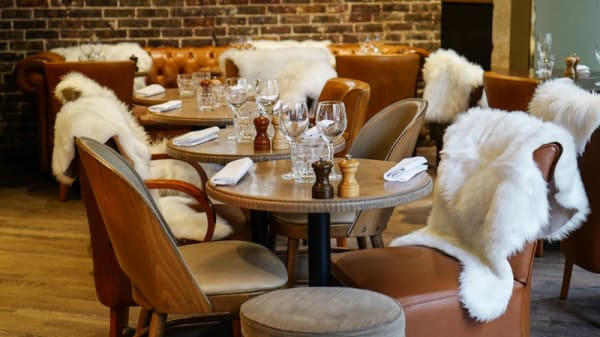 Ambiance - Baroche Café Brasserie, Paris