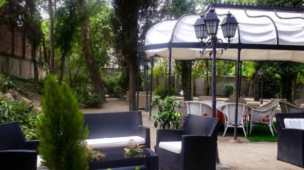 Vista terraza - Café del Infante, Villaviciosa De Odon