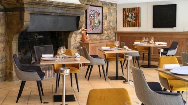 vue de la salle - Brasserie La Begude, Opio