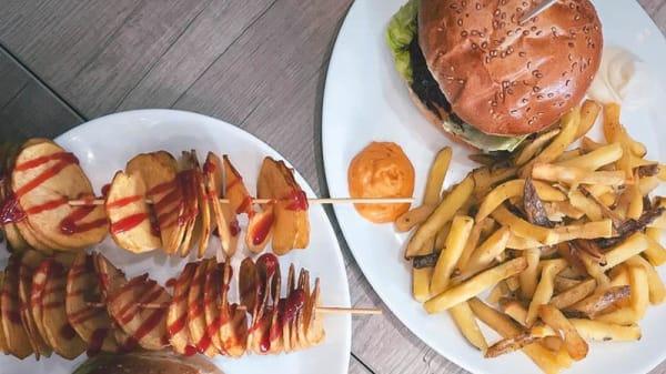Plat - Burger Corner, Paris