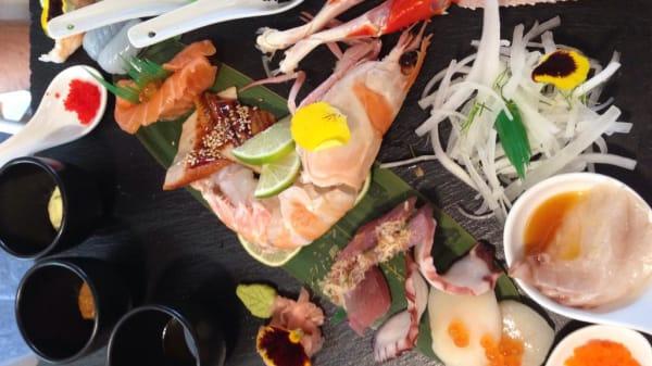 sashimi - Comoyan, Albate