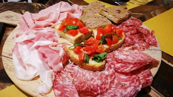 suggerimento - La vineria formaggeria, Città di Castello