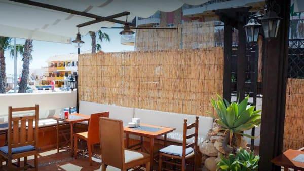 Terraza - Casablanca Beer & Grill, Tavernes De La Valldigna