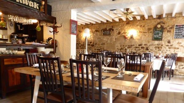 Salle - La Taverne à Moules, Conflans-Sainte-Honorine