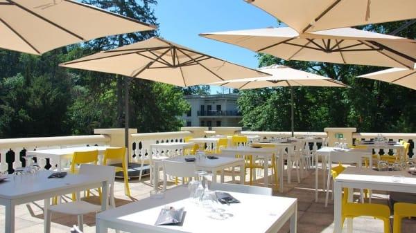 Terrasse - Brasserie Le Caz - Casino Partouche Le Lyon Vert, La Tour-de-Salvagny