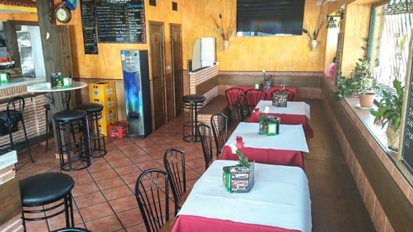 Sala del restaurante - La oliva de oro, Parla