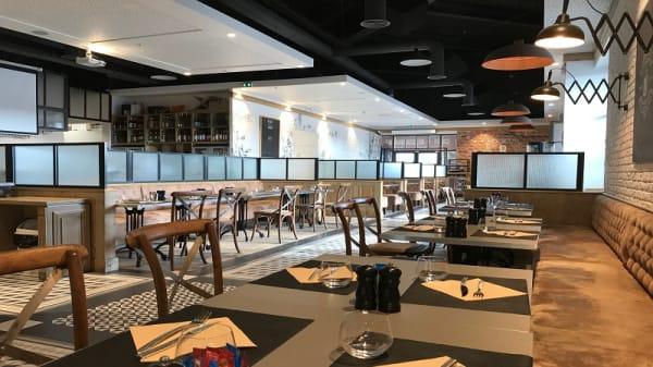 Salle du restaurant - La Brasserie, Cabriès