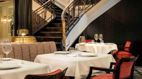 Sala - Le Monument Restaurant, Porto