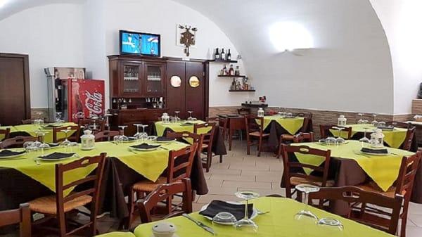 Interno - Osteria San Domenico, Bisceglie