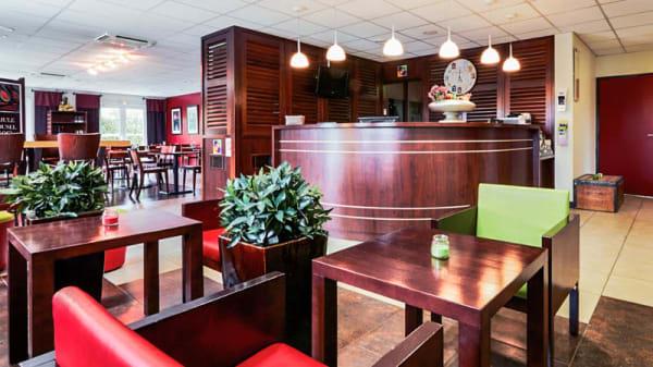 Lobby bar climatisé - Le Karousel, Arveyres