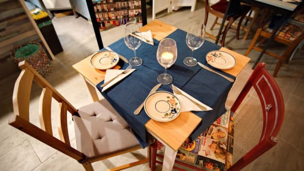 Detalhe da mesa - Beco a Sério, Lisboa