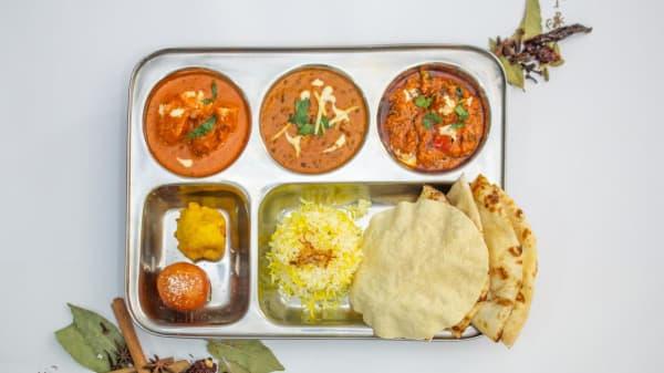 Curry Platter - Indian bay, Belconnen (ACT)