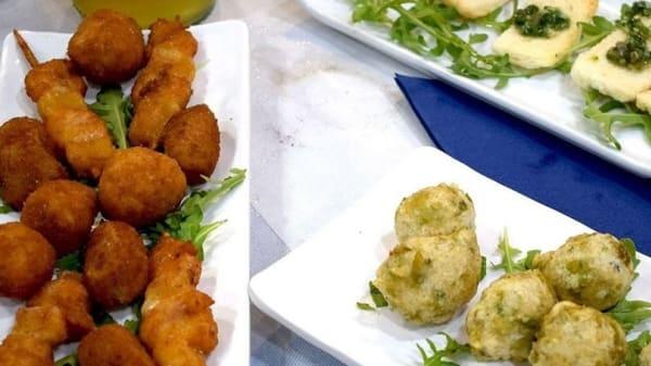Lo Chef Consiglia - Ristopescheria Golfo di Pozzuoli, Villaricca