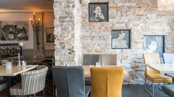 Het restaurant - Rhodos, Tiel