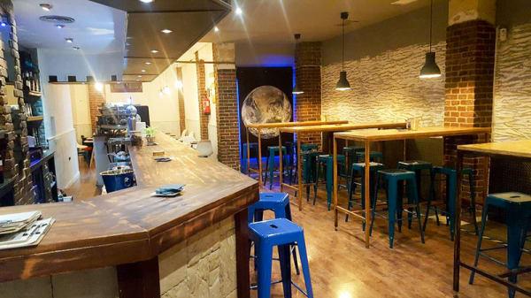 Vista del interior - Cosmos Bar, Leganés