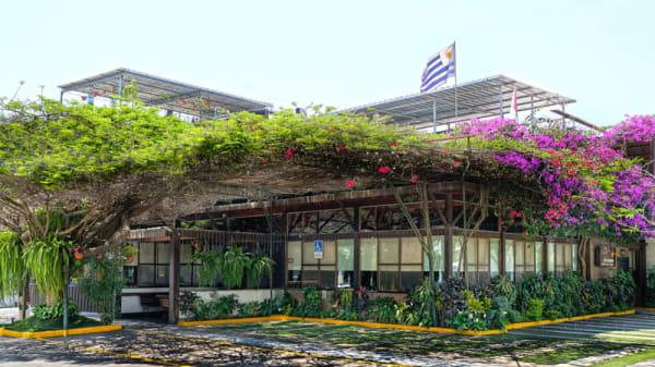 Fachada - Restaurante El Charrúa, Lima