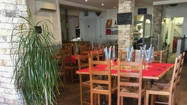 Salle du restaurant - L'Atypique, La Ciotat
