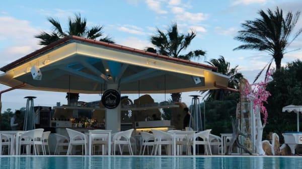 Shiroi Sushi Pool Bar, Lampedusa