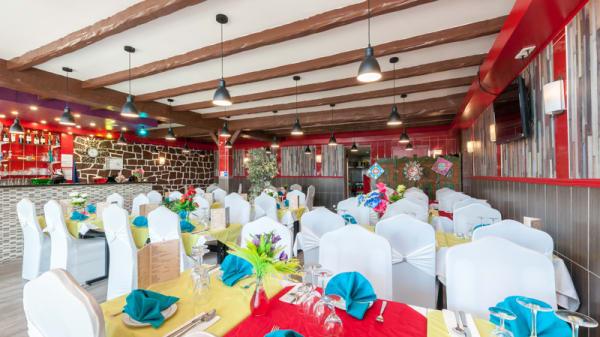 Salle du restaurant - New Royal Taste of India, Le Blanc-Mesnil