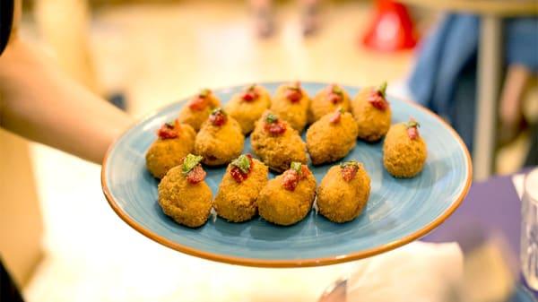 Croquetas de cocido - Petit Montjuïc, Barcelona