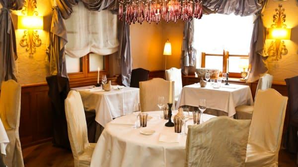 Salon Lefevre - Restaurant  Bohrer Table conviviale, Rouffach