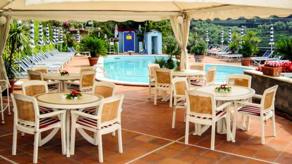 piscina - Riccardo Francischiello, Massa Lubrense