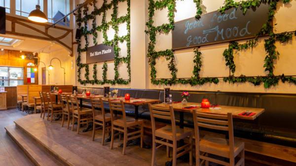 Het restaurant - DAY'S StoneGrill 1870 | Foodbar, Amsterdam