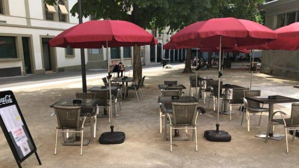 Terrasse arrière - Britannia Pub, Genève