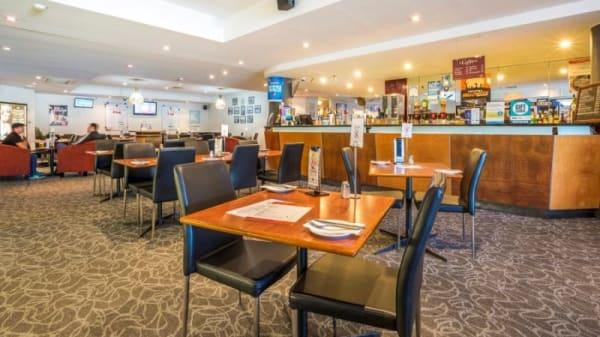 Rose & Crown Hotel, Elizabeth South (SA)
