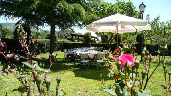 Terraza exterior cenas y comidas - Caballos La Vera, Jarandilla de la Vera