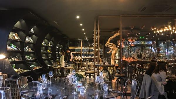 Salle du restaurant - Invino, Lattes
