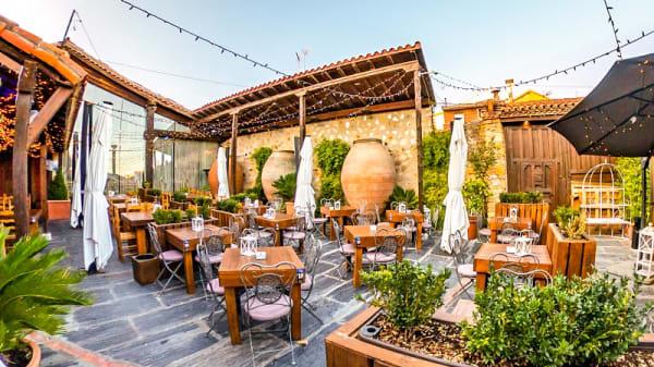 Terraza - El patio de los olivos, El Molar