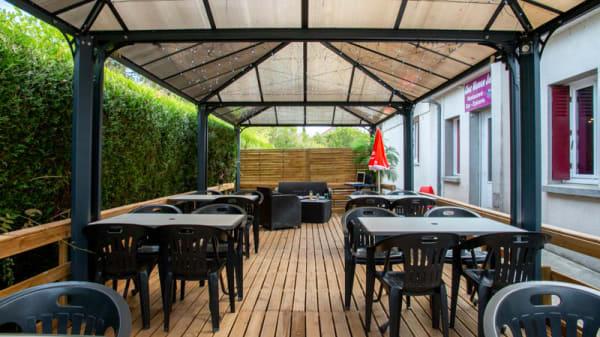 Terrasse - Chez Maman Julia, Saint-Lactencin