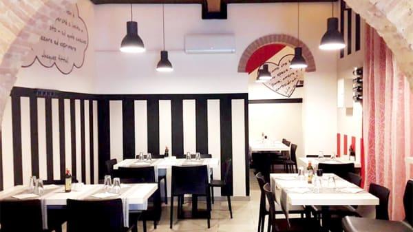 Vista della sala - Pizzeria Bianco e Nero, Livorno